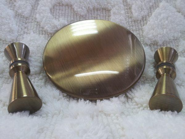 Позолоченные элементов металла золотом