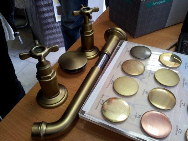 Напыление металлов золотом