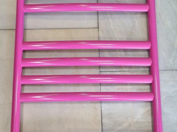Полотенцесушитель покрашеный в розовый цвет